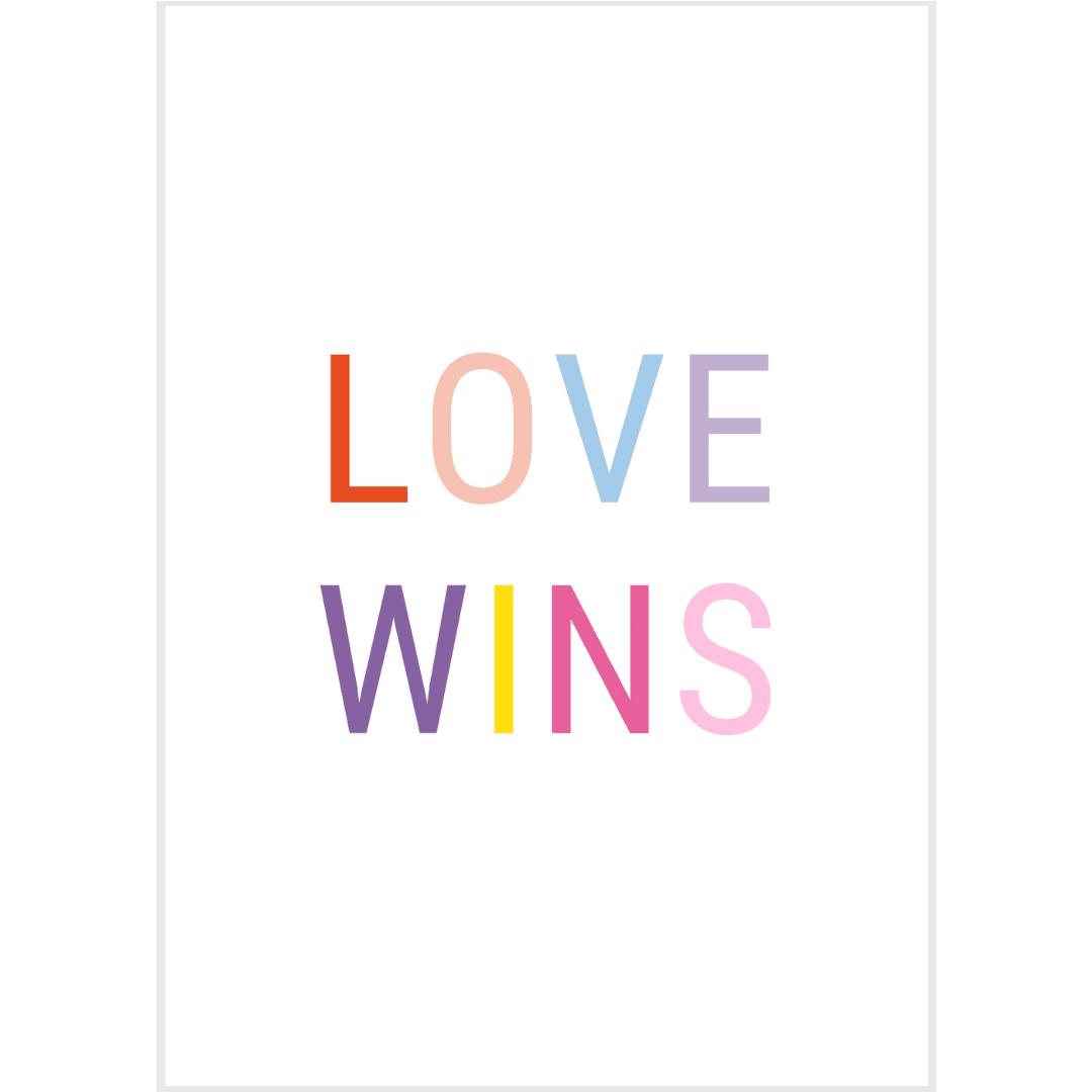 Ansichtkaart-van-gekkiggeit-met-de-vrolijke-tekst-love-wins